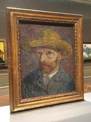 """Self-Portrait with a Straw Hat, 1887, Van Gogh. Entre 86 e 88, ele pintou mais de vinte auto retratos; disse uma vez """"comprei um espelho suficientemente bom para fazer isso""""."""