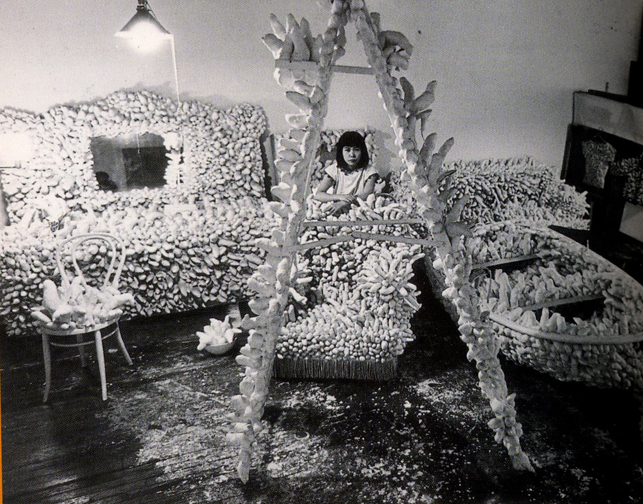 kusama-in-her-studio-1963-64.sm_